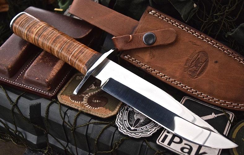 image of leather knife sheat